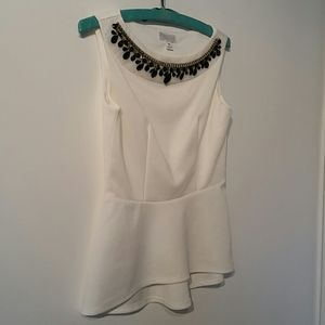 Bisou Bisou white sleeveless top with beading